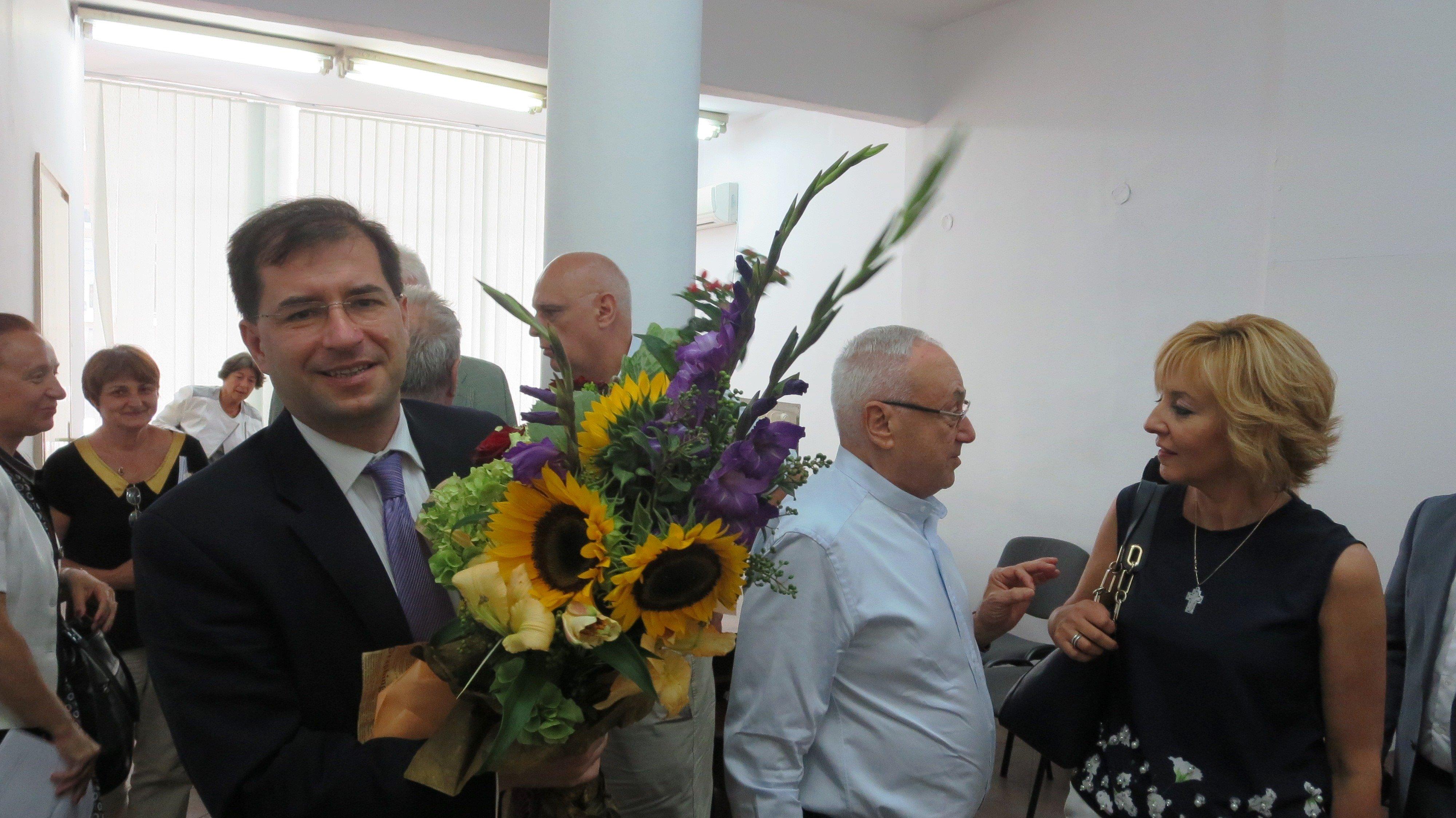 """Правният институт на БАН присъди научната степен """"доктор по конституционно право"""" на Борислав Цеков"""